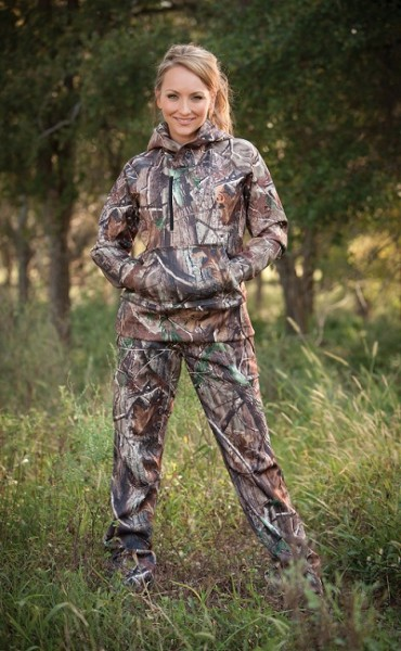 She Outdoor Apparel Introduces The Expedition Tech Hooded