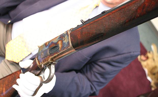 Winchester Gun Wallpaper an 1886 Winchester Rifle