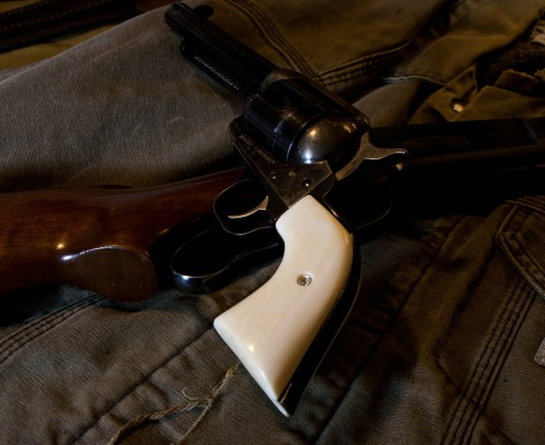 walrus-ivory-grip-on-ruger-vaquero
