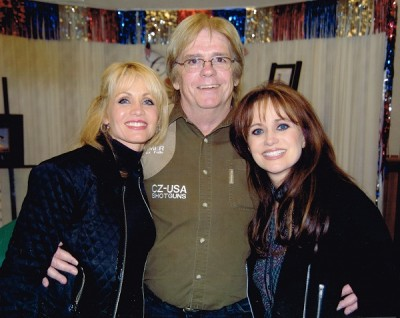 Ray Kelly with Irlene and Louise Mandrell