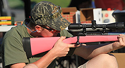 Alex Fox used the pink 20 gauge provided by Brian Sloan to win the JAKES 20 Gauge Championship.