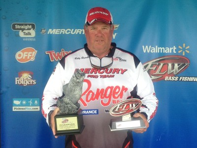 Brindle wins walmart bass fishing league choo choo for Fishing license ga walmart