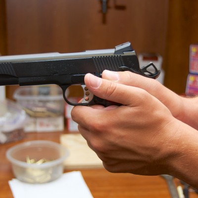 Proper handgun grip (3)