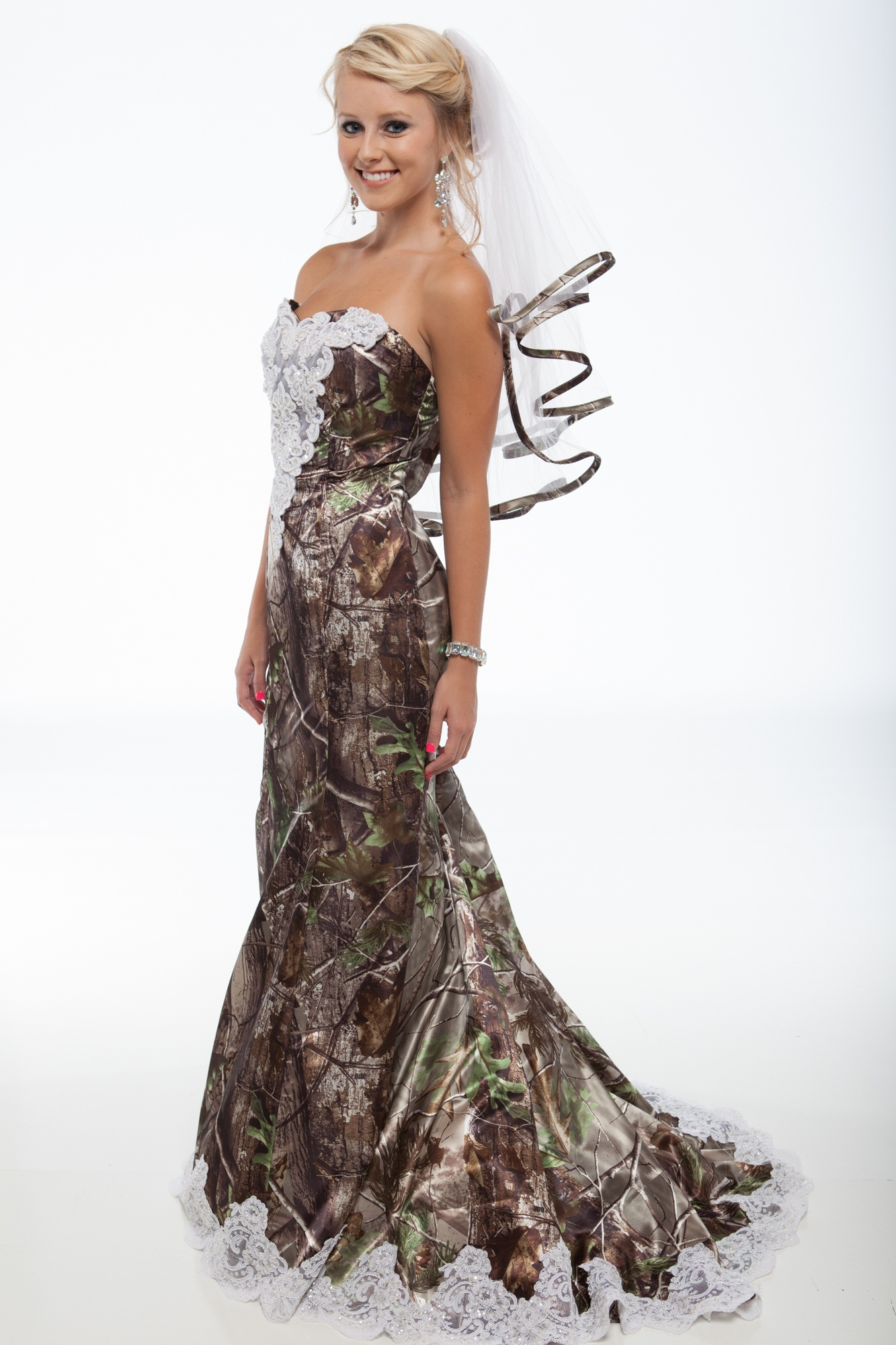 New realtree camo formal attire outdoorhub for Wedding dresses camouflage pink