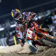 Herlings battles his way to a 2-1 for overall GP in in Qatar .