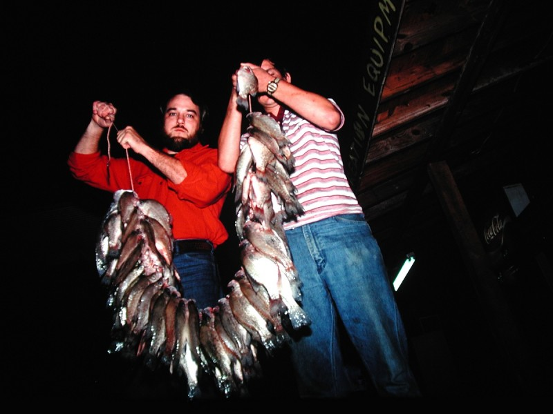 Fishing hot weather nights for crappie outdoorhub for Crappie fishing at night