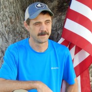The author wearing the Columbia Sportswear Zero Rules Short Sleeve t-shirt.