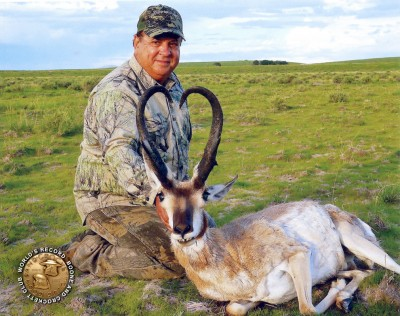 Mike Gallo with his new record pronghorn.