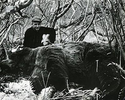 Roy Lindsley with the world record Kodiak bear taken on Kodiak Island, Alaska.