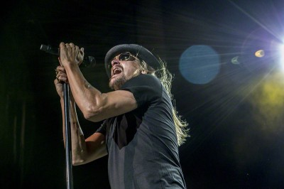 Kid Rock performing at the Klipsch Music Center in Indianapolis in 2013. Image from Nightshooter in the Wikimedia commons.