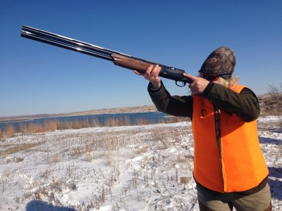 The author shoulders the Benelli 828U. Image by Brian Sheetz.