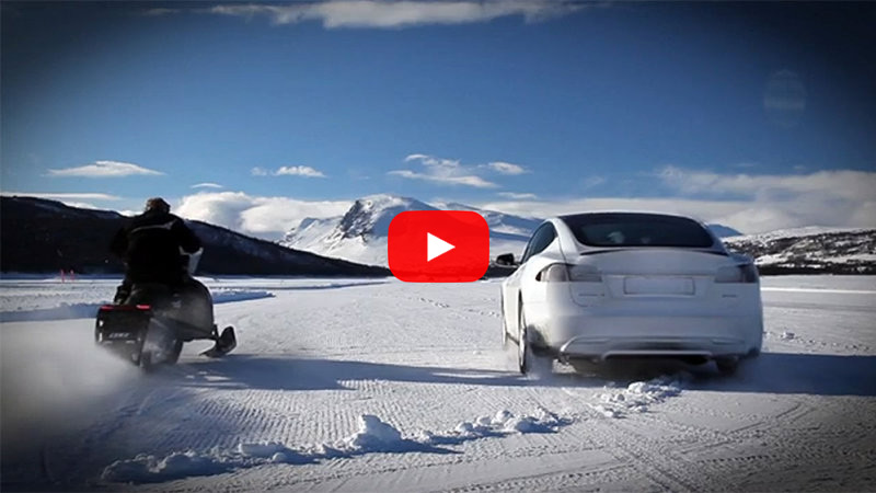 outdoorhub-tesla-model-s-vs-snowmobile-you-wont-belive-who-won-tesla-model-s-p85d-2015-03-12_19-11-41