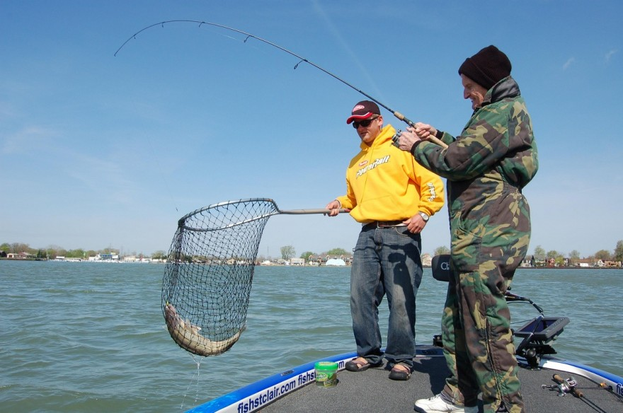 The detroit river one of the best walleye fishing spots for Detroit river fishing