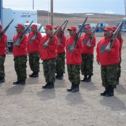 Canadian Rangers with Lee-Enfield No. 4 rifles, which may soon be replaced with Sako rifles.