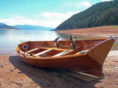 Cedar Boats for Hunting and Fishing Combine Beauty and Strength