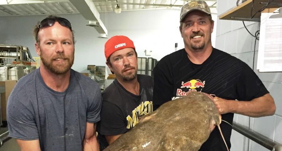 Missouri Angler Catches 100 Pound Record Catfish Using