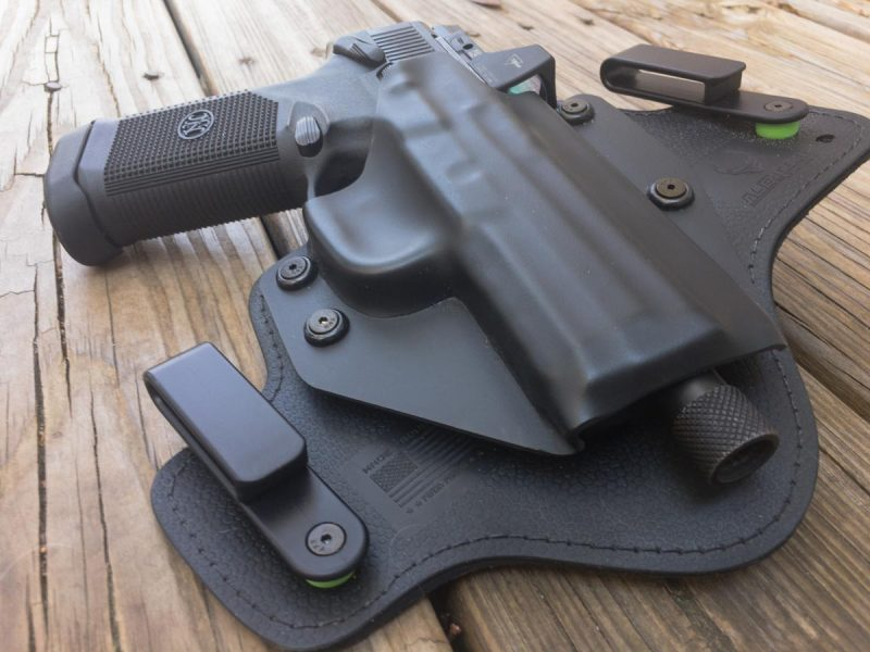 The Alien Gear Cloak Tuck 3.0 IWB holster uses a variety of materials in different places to provide comfort and stability.