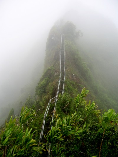Trespassers Flock to Illegal Stairway to Heaven Hawaii Hike