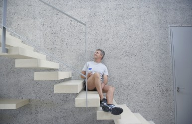 Stairs can provide a great workout, for free. (Image courtesy of IPGGutenbergUKLtd/iStock).