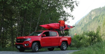 Loading kayaks on or off the Chevrolet Colorado was an easy task.