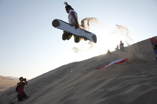 An Introduction to Sandboarding | ActionHUb
