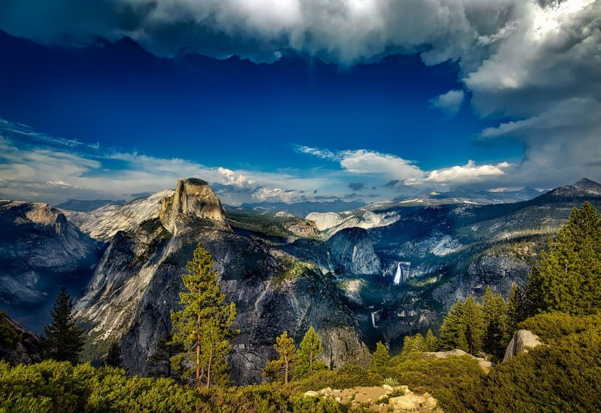 10 Easy(ish!) Yosemite Dayhikes | ActionHub